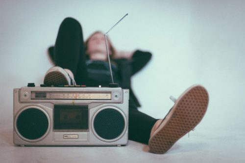 5-ways-to-be-anxiety-free-during-your-first-radio-show-2