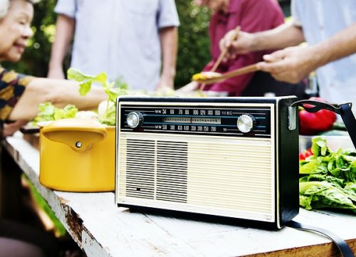 how-fm-radio-stations-benefit-from-lockdown